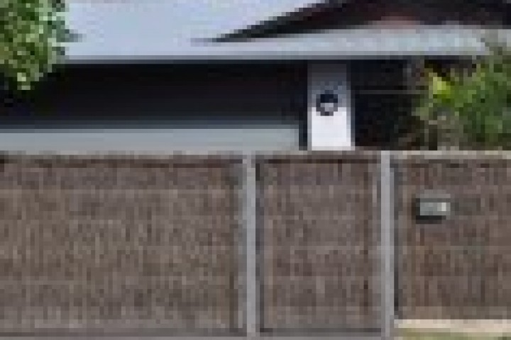 Pool Fencing Thatched fencing 720 480